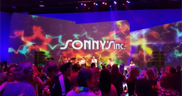 ZorgSpectrum viert tropisch feest in NBC Congrescentrum - Sonny's Inc - De Entertainmentband van Nederland -
